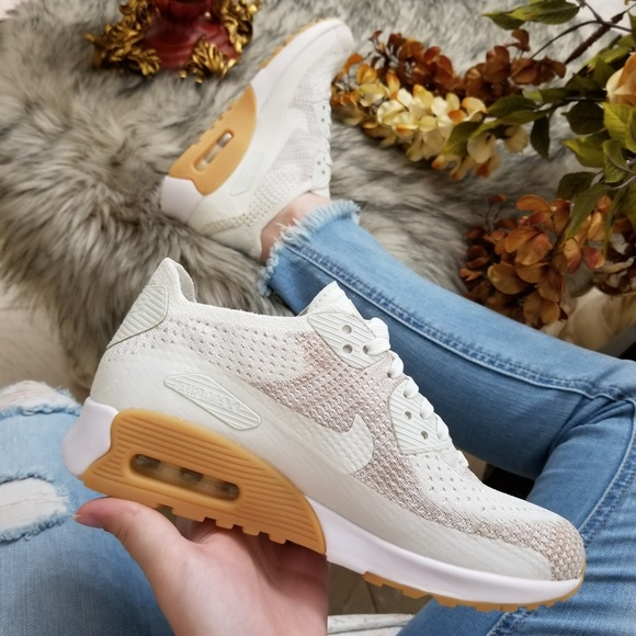 huge selection of d8a1f 9ce71 Nike Air Max 90 Ultra 2.0 Flyknit